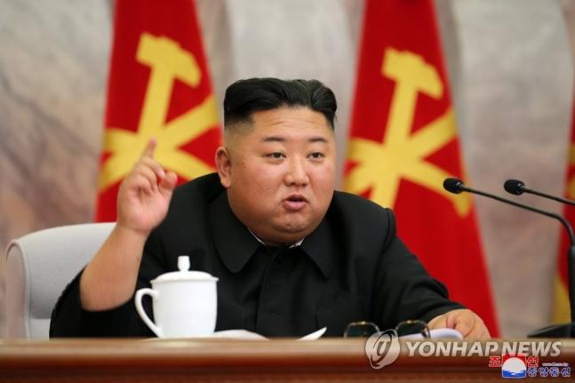 김정은, 당 중앙군사위 회의 주재…핵 억제력 강화 논의