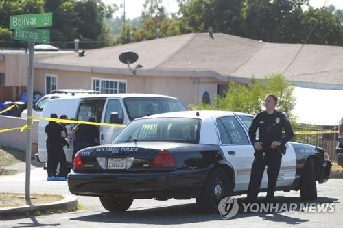 아빠가 부인과 세 아들을 쐈다…美샌디에이고 가정폭력 비극