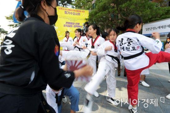 街で見かけた女子小学生  Part.9 YouTube動画>18本 ->画像>392枚