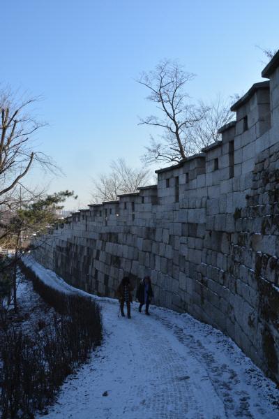 한양도성·백악구간 겨울산행, 임진왜란·김신조 사태… 시간을 가로질러 굴곡의 역사를 걷다