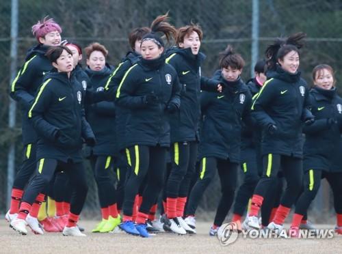 월드컵 향한 첫발…여자 축구대표팀, 중국 4개국 대회 위해 소집