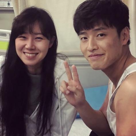 `동백꽃 필 무렵' 공효진X강하늘, 부스스해도 `선남선녀`