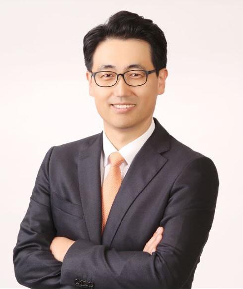 """이경일 솔트룩스 대표 """"추론하는 대화로봇 기술로 내년 상장"""""""