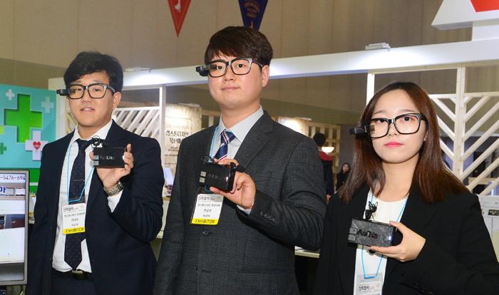 """""""청각장애인은 화재때 더 위험… 경보음 시각화 안경 만들었죠"""""""