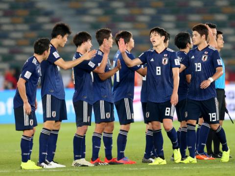 [2019 아시안컵] 일본, PK 결승골로 오만에 1-0 승리…'오심 논란' 속 16강