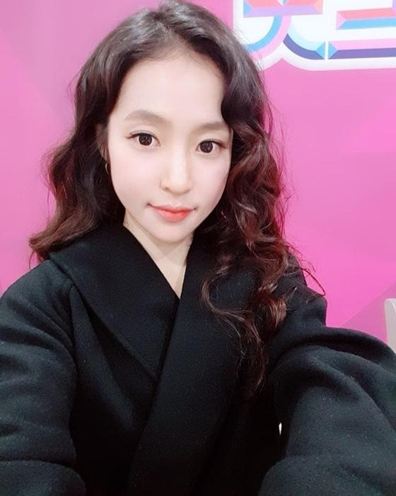 """'미스트롯' 홍자 """"실검 1위 감사..'상사화' 완곡 곧 공개"""""""