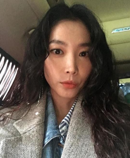 """""""앙 너무 기뻐요""""..오윤아, 인형보다 예쁜 동안 미모"""