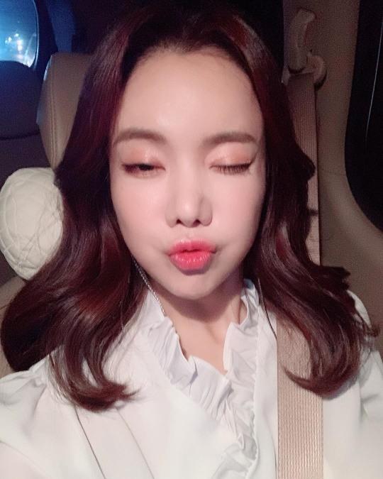 """""""미녀 개그우먼""""..김나희, 오늘은 '미스트롯' 홍보 여신"""