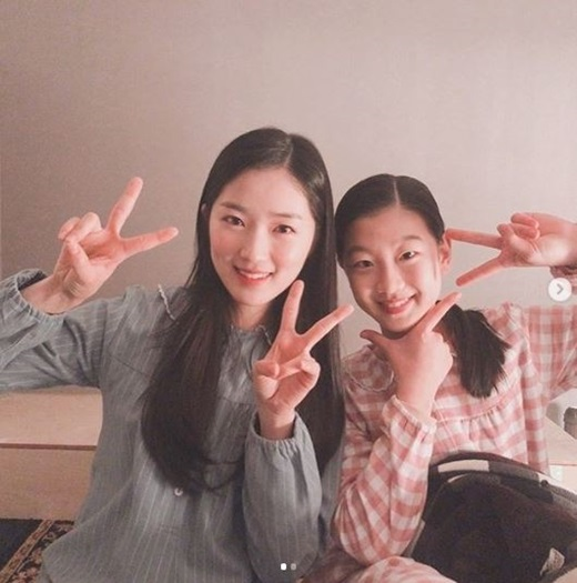 """""""알고 보면, 사이좋은 자매""""…'SKY 캐슬' 김혜윤, 이지원과 인증샷"""