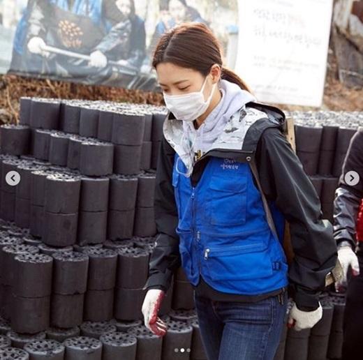 """할리우드 스타 수현의 연탄 배달 봉사...""""몸도 마음도 이쁘시네"""""""