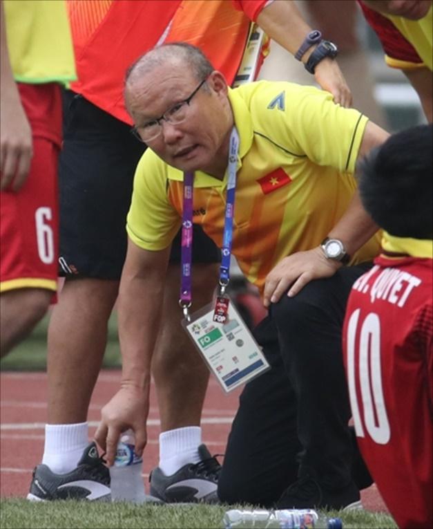 '박항서 매직' 베트남, 10년 만에 우승컵 차지하나