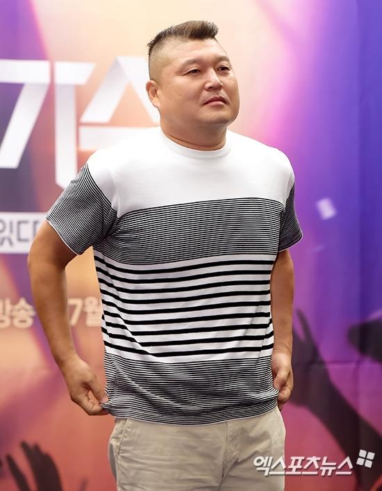 """[종합] """"해외촬영 중 비보""""…'부친상' 강호동에 쏟아지는 애도물결"""