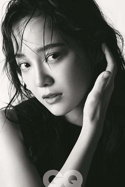 김세정, 매혹적인 눈빛 '성숙美 물씬'