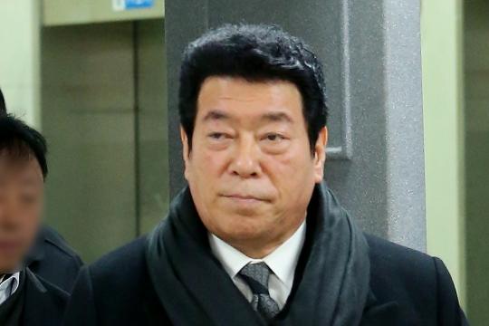 """김동현, 사기혐의로 실형…부인 혜은이, 방송서 """"빚 200억, 현재 90% 갚아"""" 밝혀"""