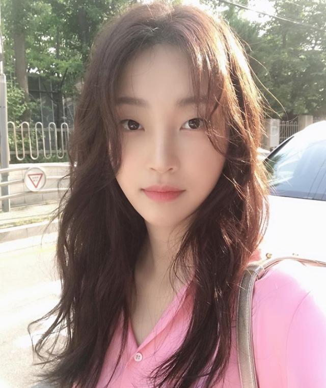 """'동백꽃 필 무렵' 지이수, '제시카' 벗고 편안한 일상으로…""""날씨 사랑스러워"""""""