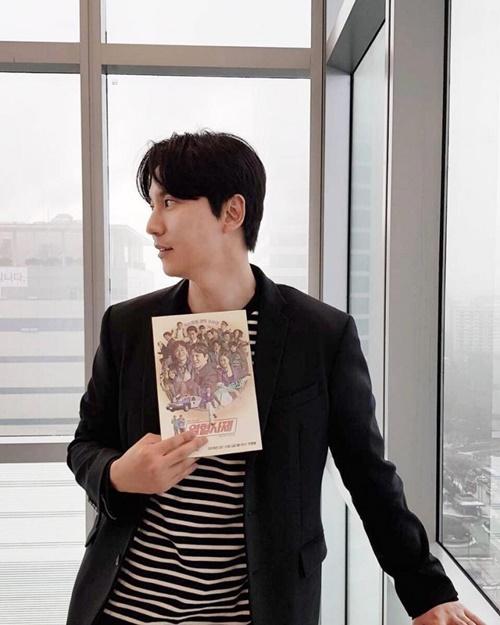 """'열혈사제' 김남길, 39세 나이에도 독보적인 분위기…""""비주얼 끝판왕"""""""