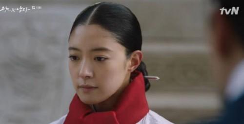 '왕이 된 남자' 몇부작, 도승지 김상경 중전 이세영 궁궐 떠나려 하자 만류