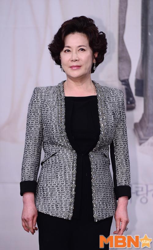 정을영 연인 박정수, 정경호 여동생 결혼식 참석해 축하해 줬다
