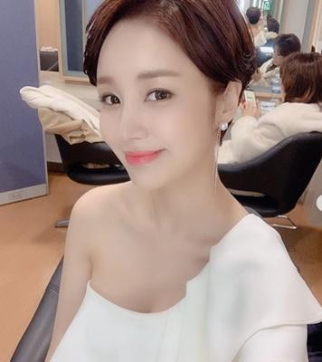 윤진이, '신사의 품격' 後 행보 '지난날 항상 아쉬워'