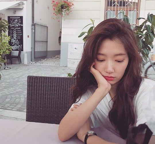 [#별별샷] 박신혜, 앉아만 있어도 화보...청순여신 강림
