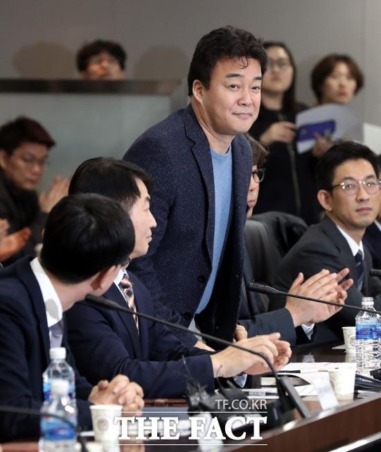 국감 사흘째 여야 적폐청산 신경전…산자위 출석 백종원 '입 주목'