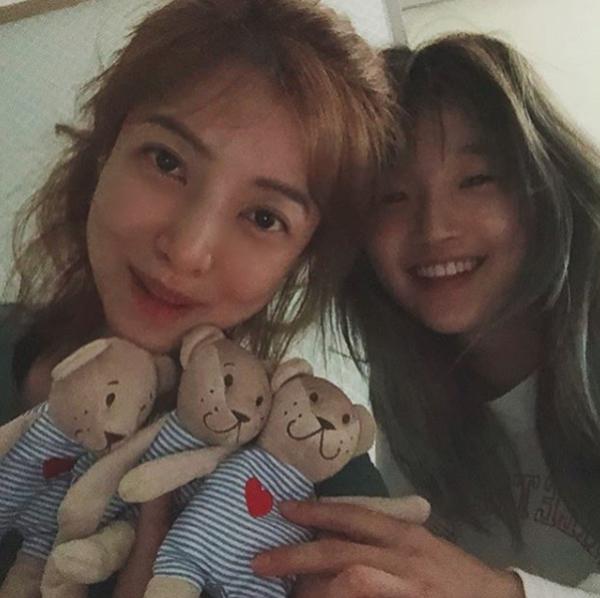 """'삼시세끼 산촌편' 윤세아, 박소담과 다정한 모습… """"내딸아"""" 폭소"""