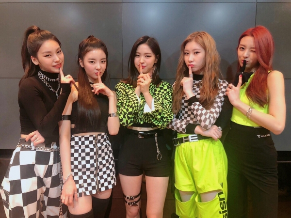 ITZY Wins Number 1 On Music Show Only 10 Days After Debut