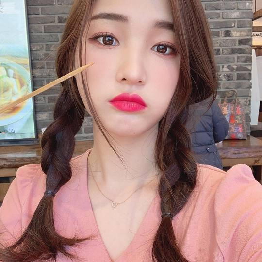 '최민환♥' 율희, 출산 후에도 양갈래 찰떡 상큼미모 여전해[SNS★컷]