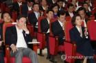 """한국, 연찬회서 '대정부 투쟁'…""""현장과 괴리된 정책""""(종합)"""