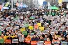한국당 근간 흔들리나…영남·60대 지지율도 큰 폭 하락
