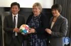 KFA 정몽규 회장, UN SDGs에 축구공 전달
