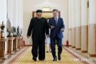 文대통령-김정은, '9월 평양공동선언문' 서명 순간 7컷