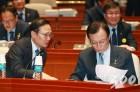 한국당 마지막 연설회·민주당 전국 기초단체장 간담회
