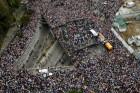 '남미 화약고' 베네수엘라 정국 대혼돈···대규모 퇴진 시위에 마두로 벼랑 끝으로 몰려