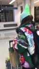 """""""공항패션, 실패""""…산다라박, 독특한 꼬깔모자 패션"""