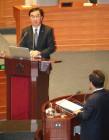 """조명균 """"현 정부 북한 인권 정책, 높은 점수 받긴 어려워"""""""