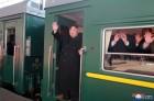 김정은 전용열차로 하노이 출발...비핵화 열차 시동