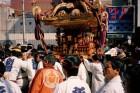 조용히 살자 다짐한 듯한 일본인, '일탈'의 순간