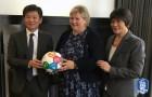 정몽규 대한축구협회장, UN SDGs에 '특별한' 축구공 전달