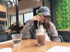 소녀시대 수영, 음료 한 잔을 마셔도 '감성 뿜뿜'