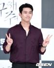 옥택연, 소지섭과 한솥밥行...배우로, 2PM으로 '새 도전'