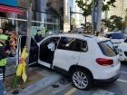 광주 화정동 교통사고, 40대 여성 운전자 인도로 돌진