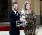 연봉 1% 기부 캠페인 마타, 스페인 여왕상 받다