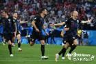 개최국 돌풍은 여기까지…크로아티아. 러시아 잡고 20년만 준결승 진출