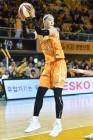 국보센터 박지수, WKBL 4라운드 MVP…MIP는 신지현