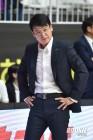 """정상일 감독, """"1R 목표는 2승, 신한은행전 준비 잘 하겠다"""""""