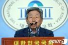 """유인태 """"與 선거제 개혁안, 불가능에 가까워"""""""