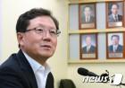 윤갑근 전 고검장, 한국청소년충북연맹 총장 취임…정치행보 시동?