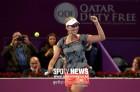메르텐스, 할렙에 짜릿한 역전승…카타르 오픈 우승