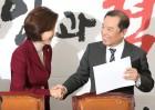 한국당, 뭉치는 수당파...기죽은 복당파